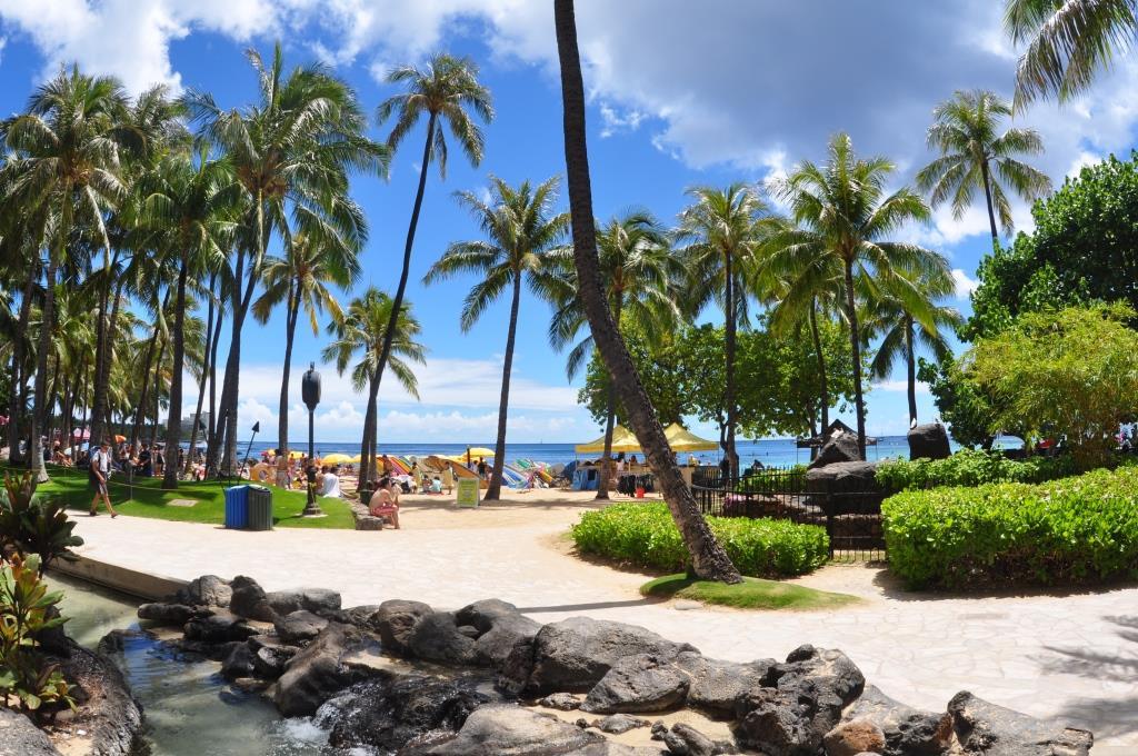 Hilton Hawaiian Village boardwalk