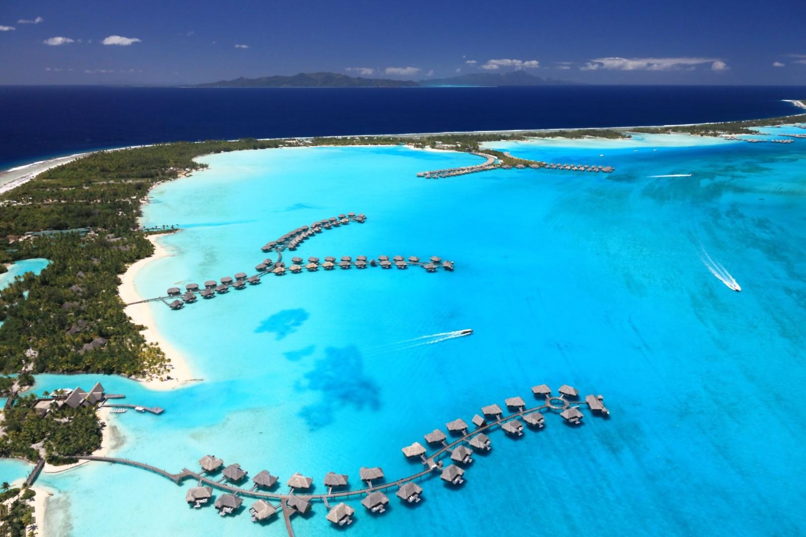 bora-bora-lagoon-french-polynesia-from-above