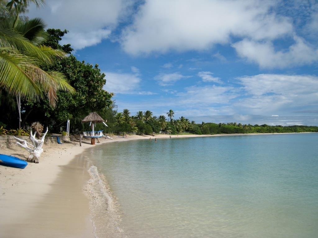 Nacula_beach_oarsman
