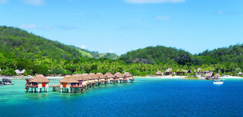 fiji wedding and honeymoon attractions - mamanuca likuliku resort - tourism fiji