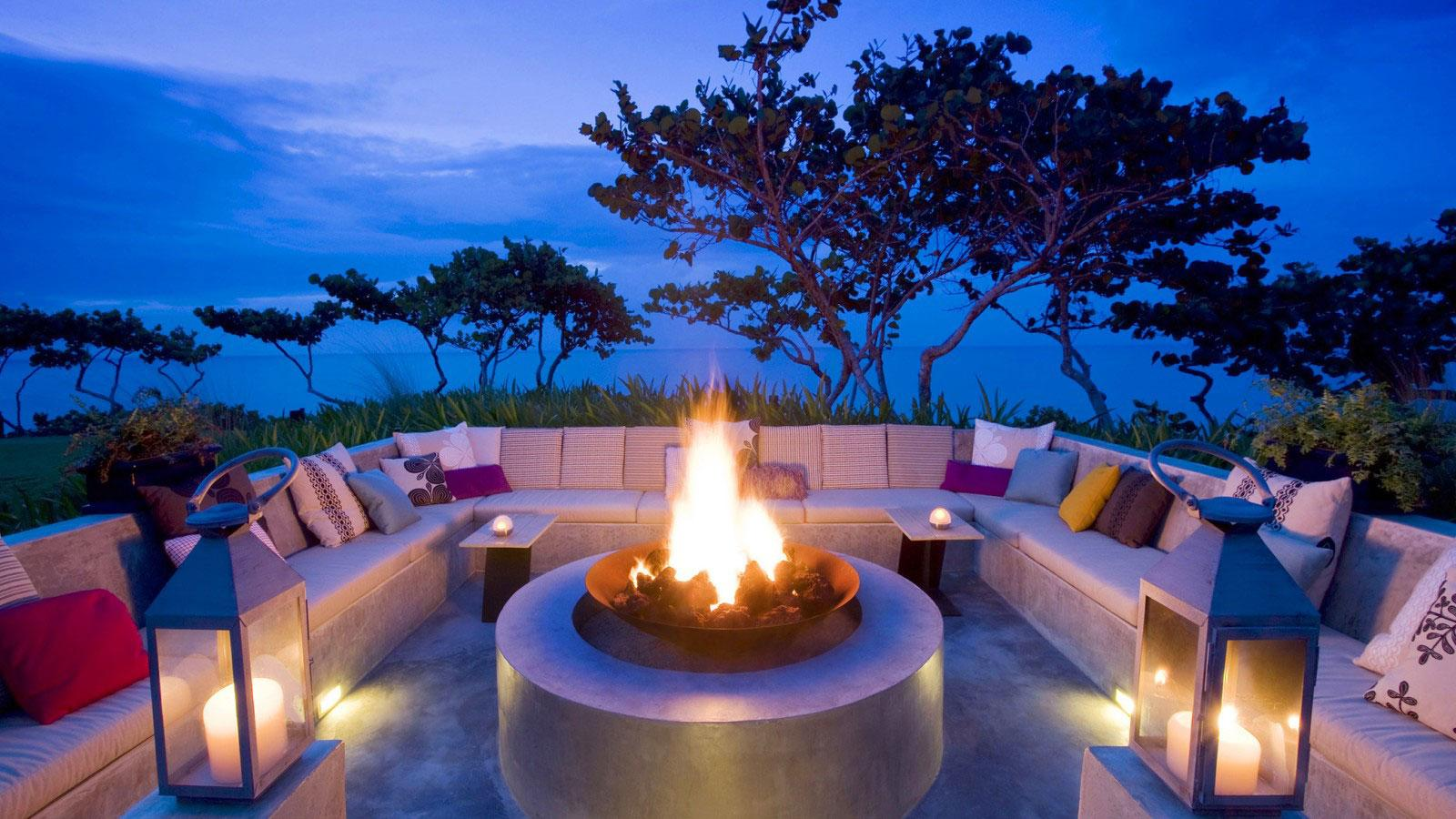 firepit_at_dusk_french_polynesia