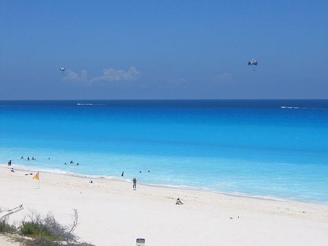 640px-Cancun_2006_08_15