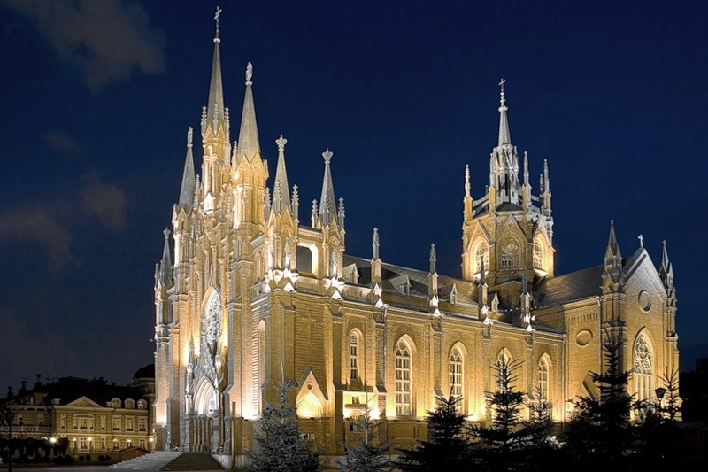 Catholic_Cathedral_Moscow_Night