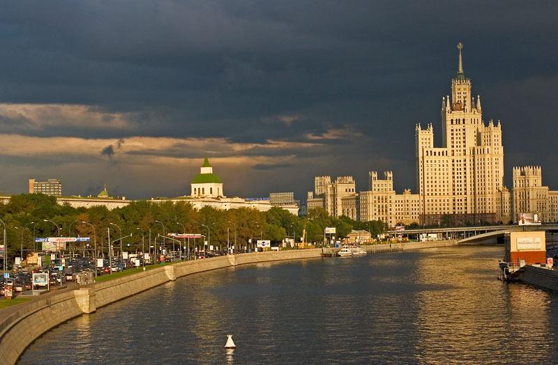 Kotelincheskaya_Naberezhnaja_Moscow.hires