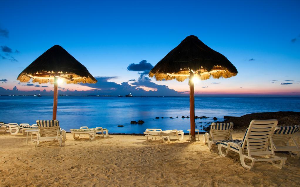 Playa-noche-Cancun