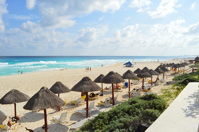 beach-352124_640