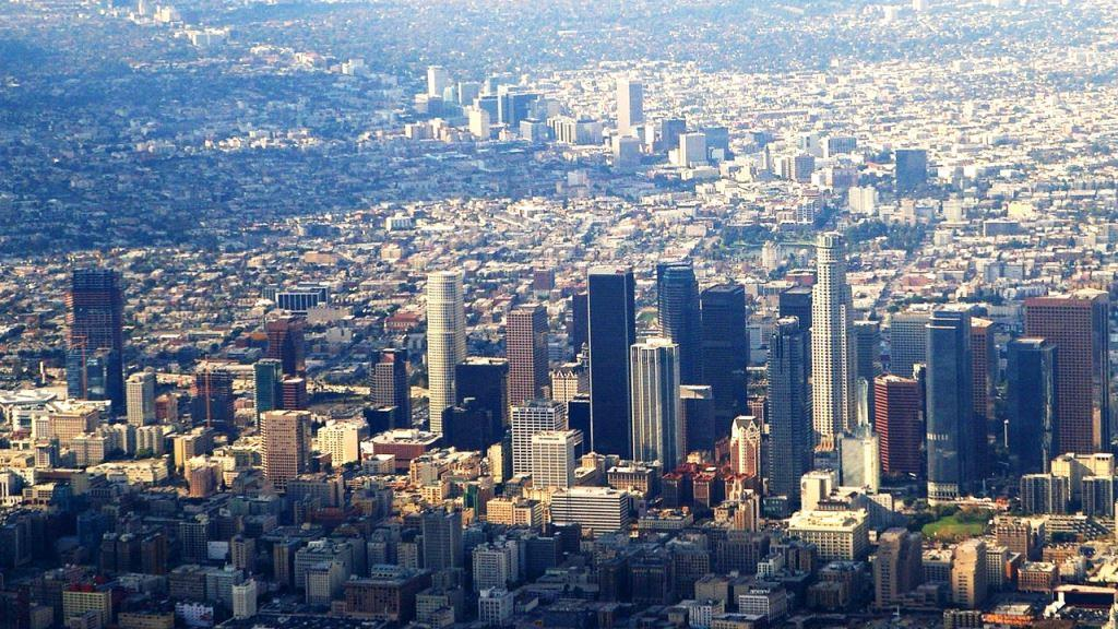 3026306-poster-p-1-how-los-angeles-is-kind-of-almost-a-startup-town