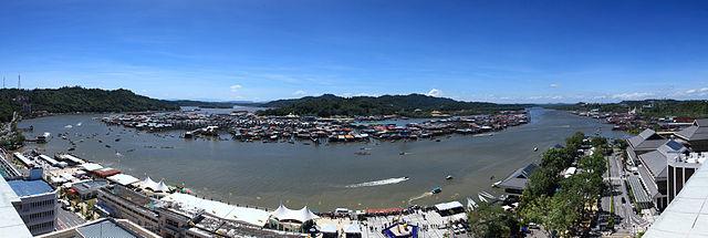 640px-Panorama_of_Brunei_Regatta