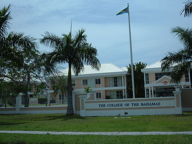640px-College_of_the_Bahamas,_Nassau