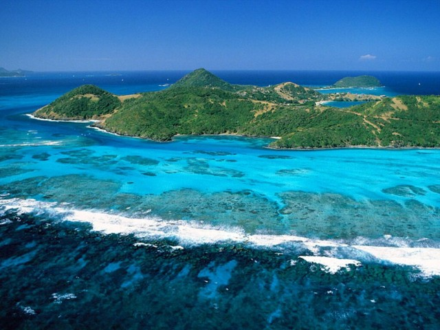 Grenadines_Saint_Vincent_And_The_Grenadines