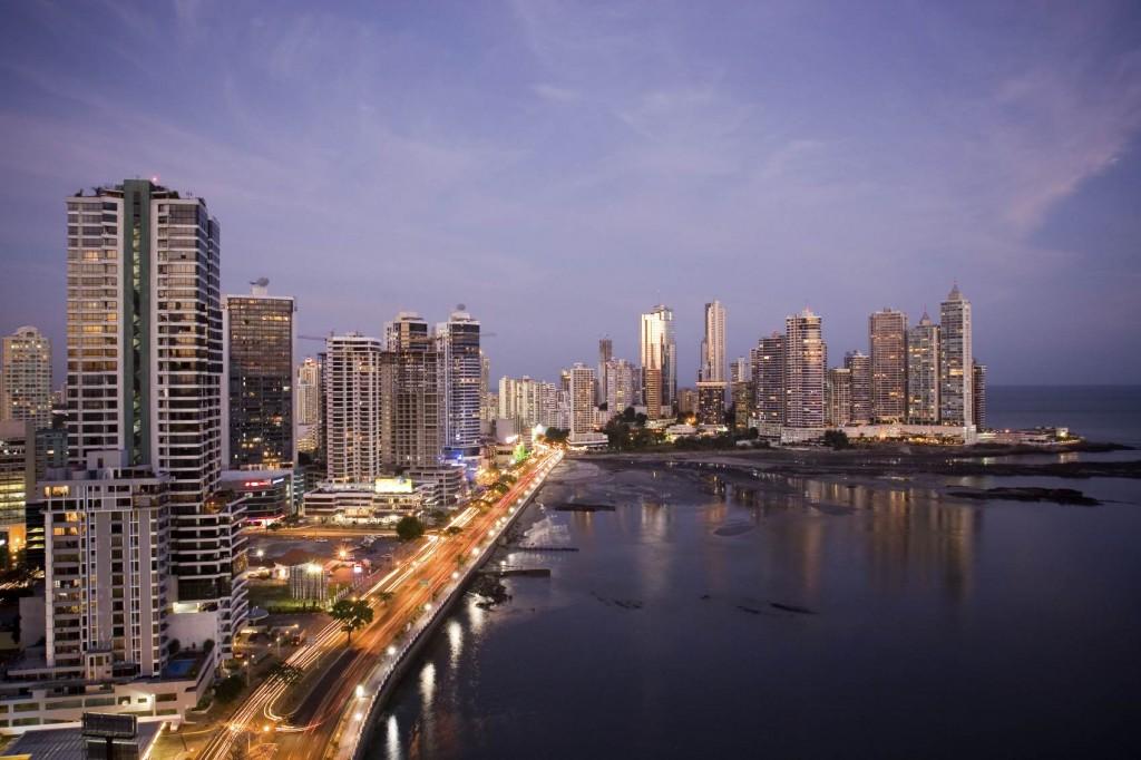 panama-city-by-night