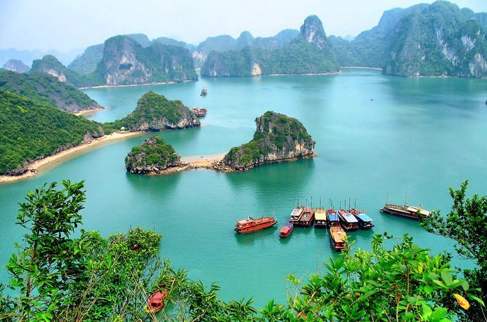 Halong_Bay_Tour