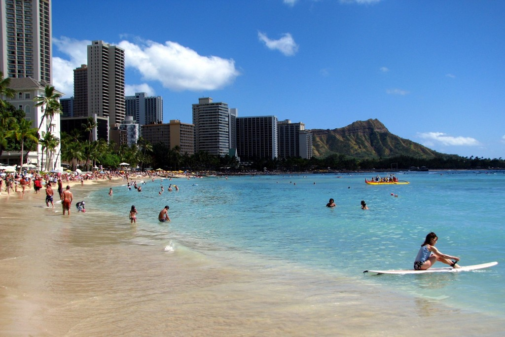 Honolulu-public-beach-Hawaii