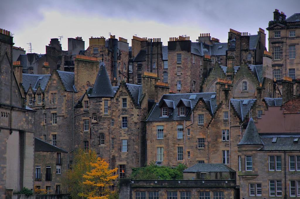 1024px-2010-11-04_12-45-17_United_Kingdom_Scotland_Edinburgh_HDR