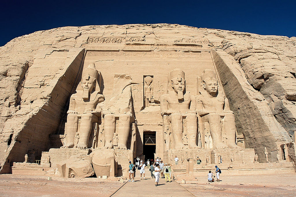 1024px-Abu_Simbel,_Ramesses_Temple,_front,_Egypt,_Oct_2004