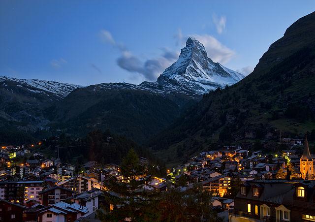 640px-1_zermatt_night_2012