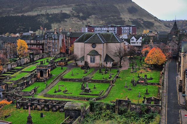 640px-2010-11-05_12-27-18_United_Kingdom_Scotland_Edinburgh