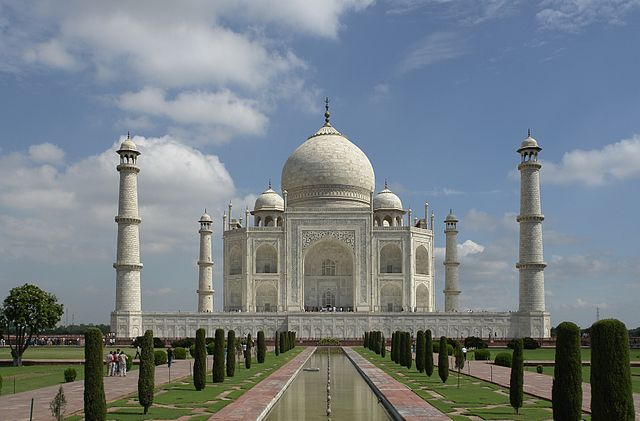 640px-Taj_Mahal,_Agra,_India