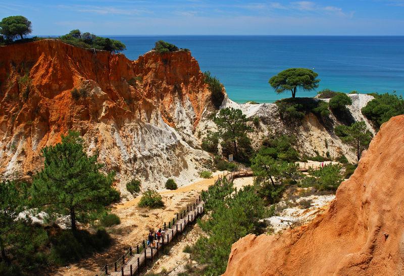 Klifflandschaft an der Praia de Falesia, Albufeira, Algarve, Faro, Portugal