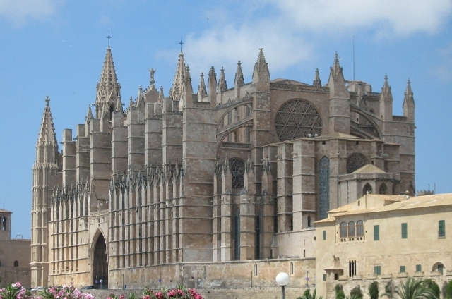Cathedral_palma_mallorca_spain_2007_08_15