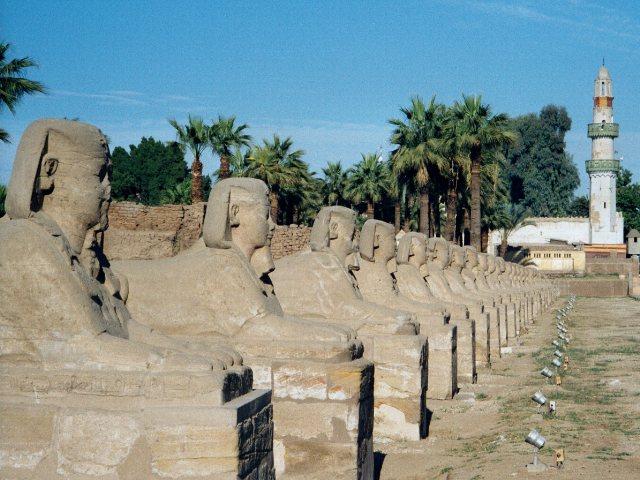 Egypt.LuxorTemple.03