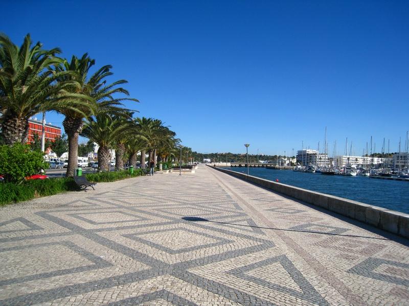 Lagos_pedestrial_area,_Algarve,_Portugal