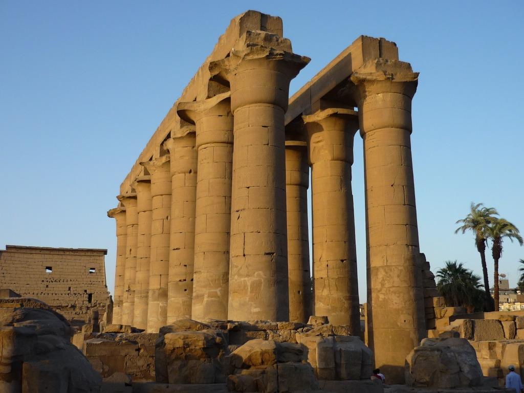 Luxor_temple