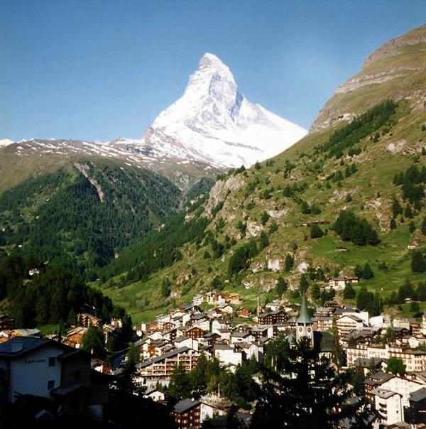 Zermatt_and_Matterhorn