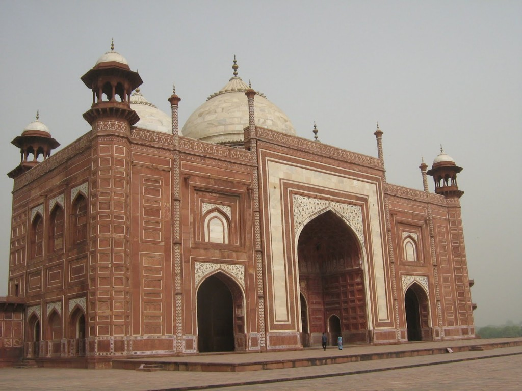 taj-mahal-mosque-or-masjid-agra-india