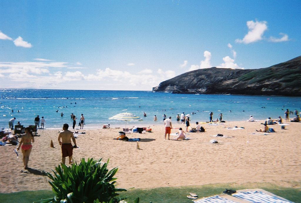 1024px-Hanauma_Bay_Oahu_Hawaii_Photo_D_Ramey_Logan