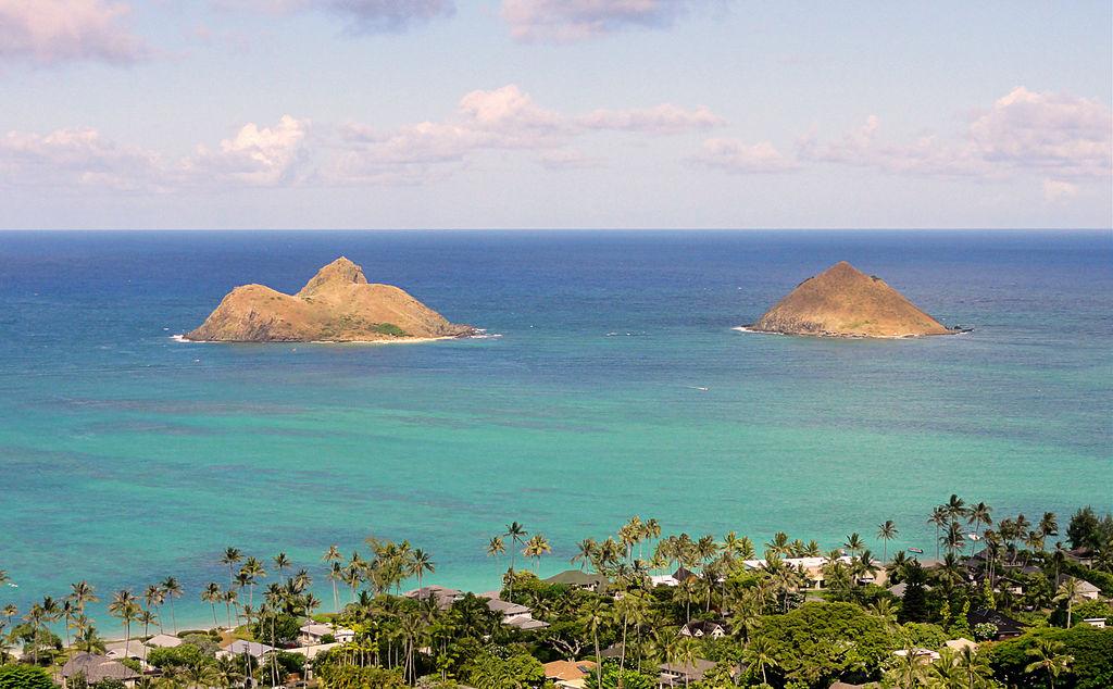 1024px-Mokulua_Islands,_Oahu_Hawaii