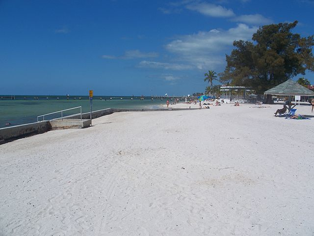640px-Key_West_FL_beach01