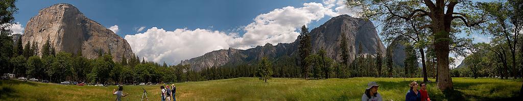 Capitan_Meadows,_Yosemite_National_Park