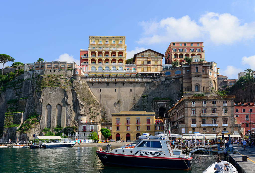 Ferry_and_yacht_port_of_Sorrento_-_Campania_-_Italy_-_July_12th_2013_-_04