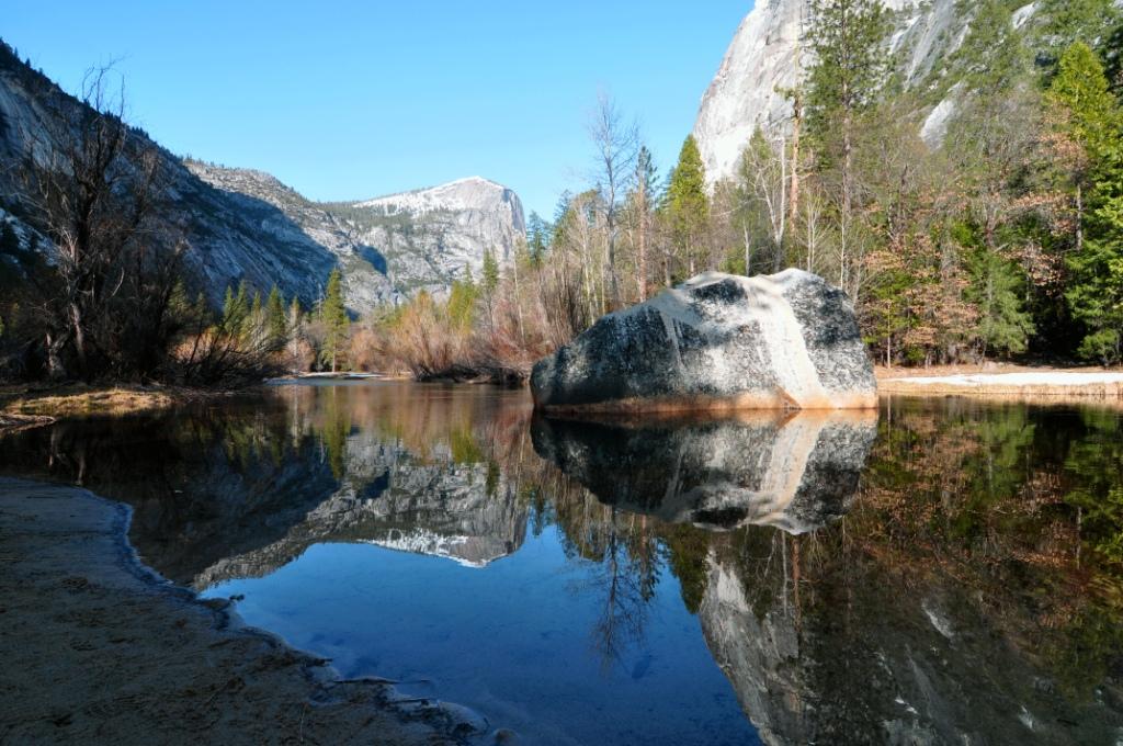Yosemite_national_park_mirror_lake