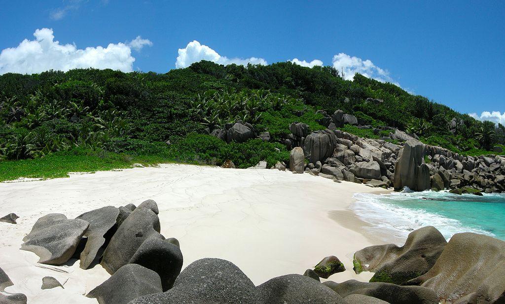 1024px-Anse_Marron-La_Digue-Seychelles