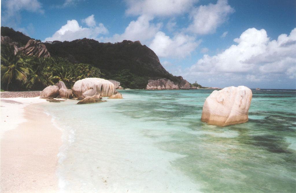 Anse_Source_d'Argent,_La_Digue,_Seychelles_(455725124)
