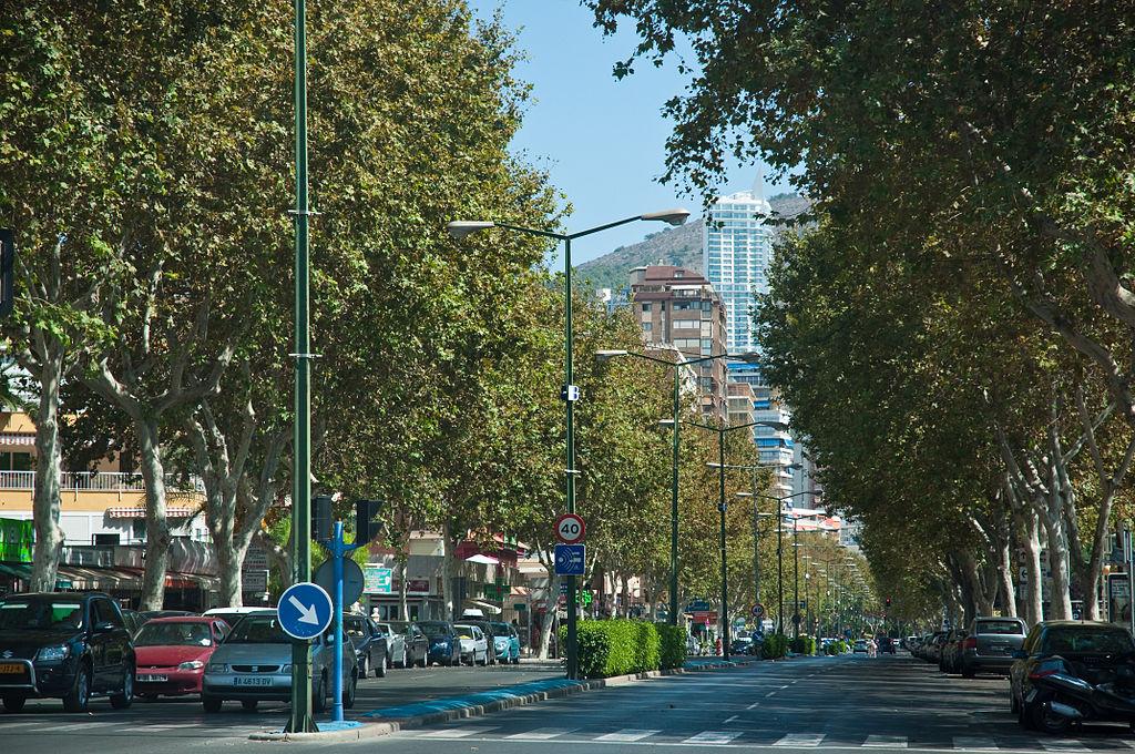 Benidorm,_Costa_Blanca,_Spain,_18_Sept._2011_-_Flickr_-_PhillipC_(1)