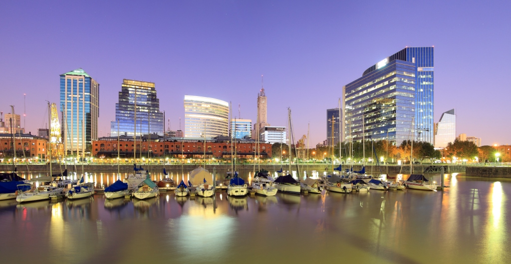 Buenos_Aires_Cityline_at_Night