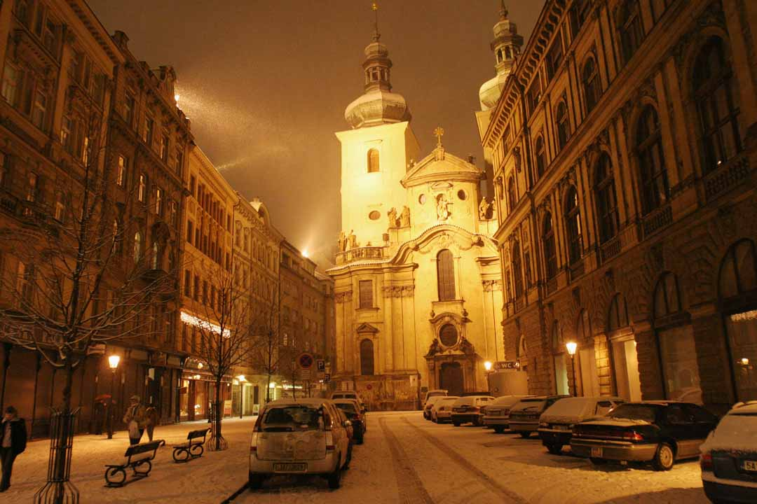 Prague_Snow_at_Night_(107602929)