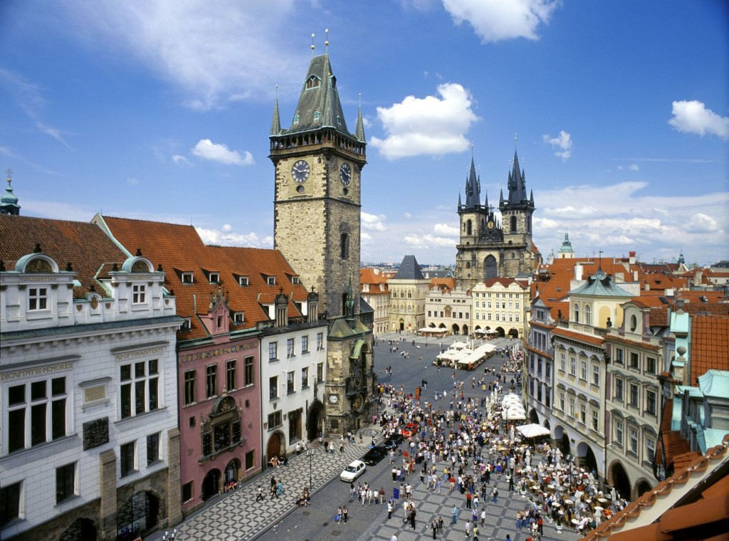 prague_07_old_town_square