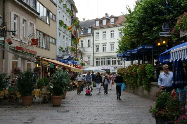 Jesuitenplatz,_Baden_Baden_-_geo-en.hlipp.de