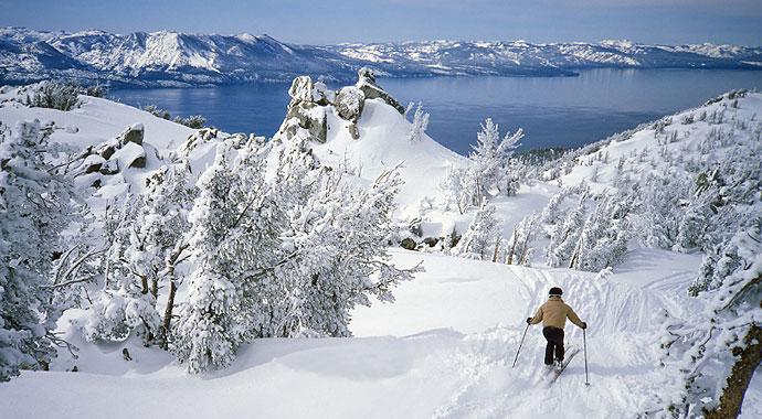 Lake-Tahoe-Slopes-Skier