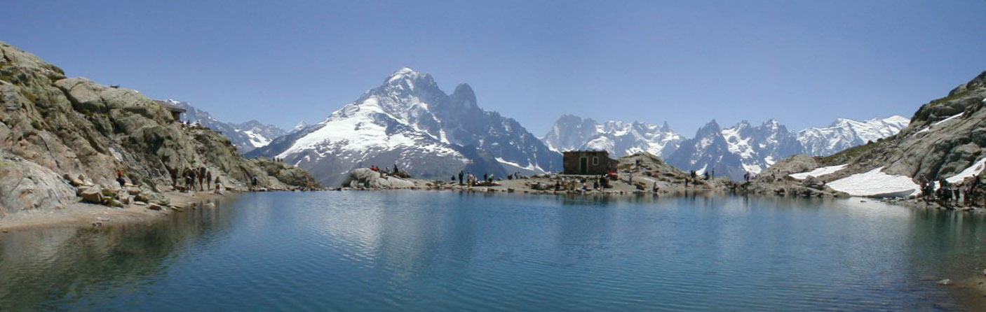 Panorama_du_Lac_Blanc_des_Aiguilles_Rouges