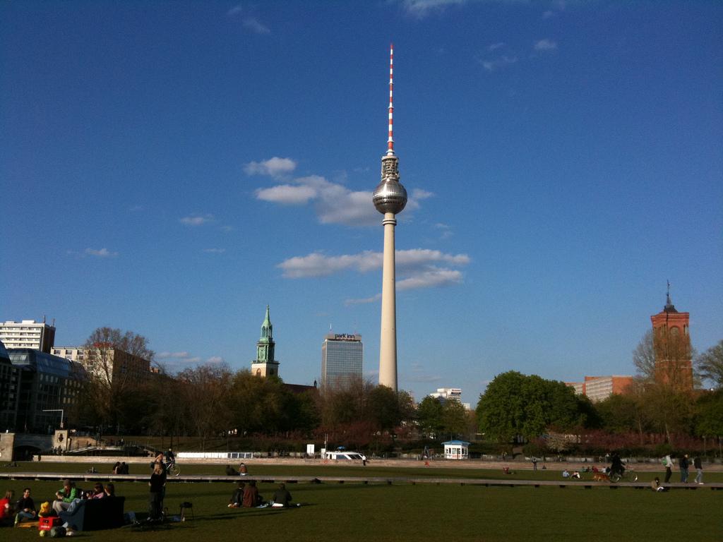 TV_Tower_of_East_Berlin