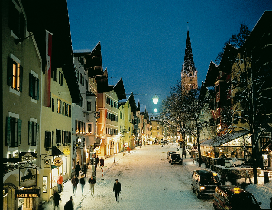 kitzbuhel-town-night