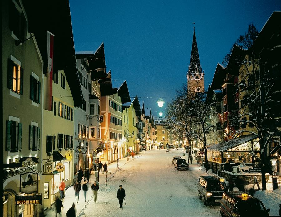 kitzbuhel-town-night