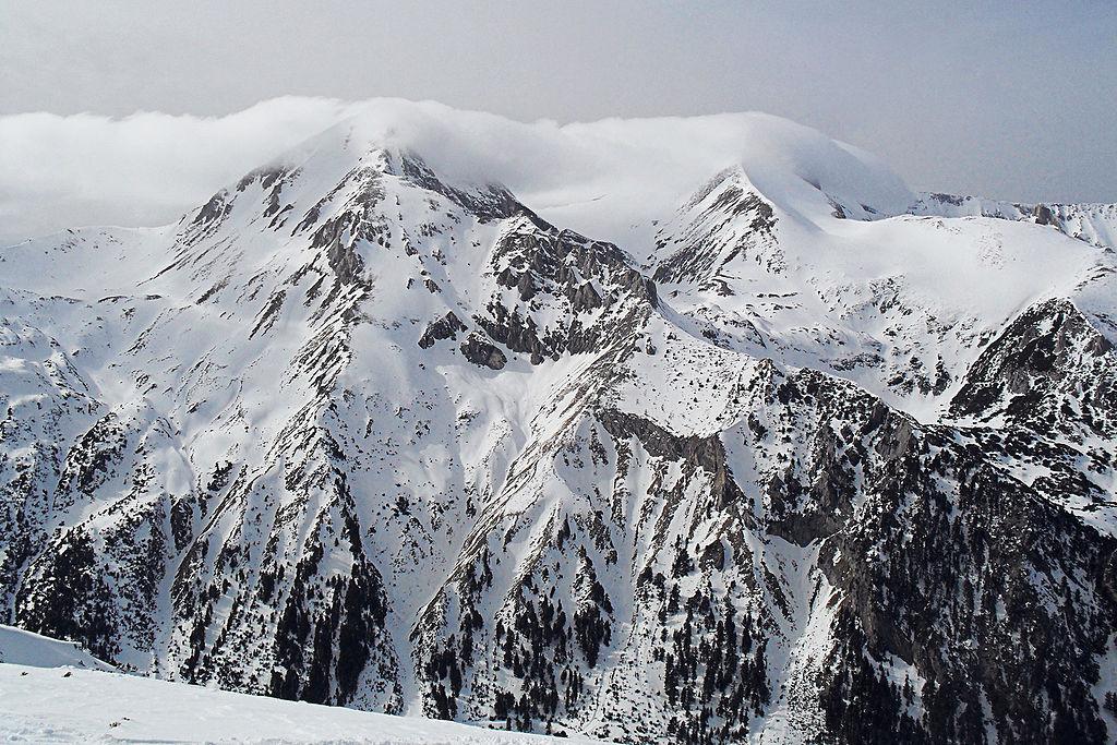1024px-Pirin-mountains-Bansko