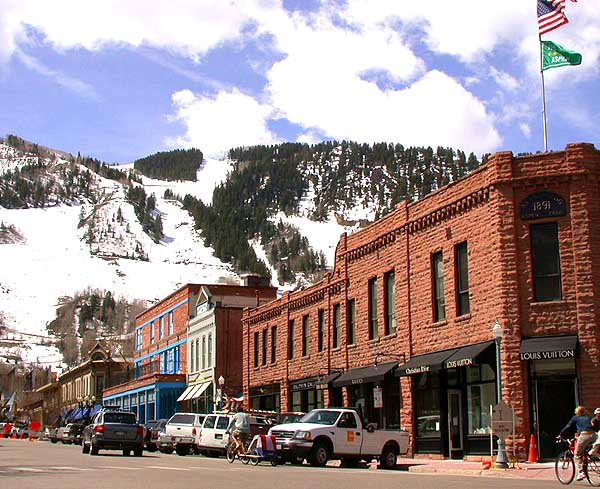Downtown_of_Aspen,_Colorado