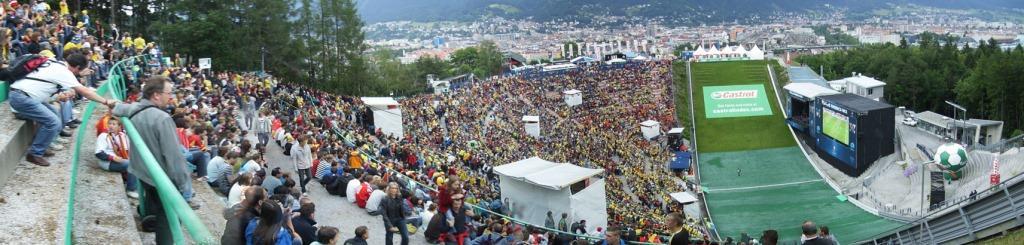 Fanzone_Innsbruck_Bergisel_Euro2008_Schweden_vs_Spanien